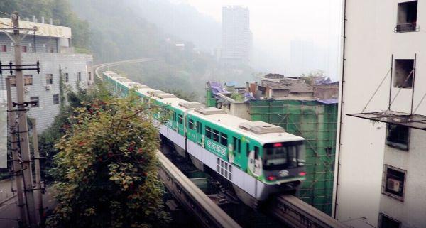 重庆轻轨2号线风景