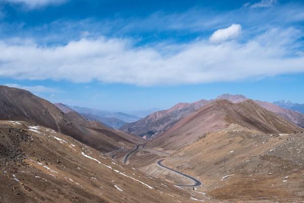 位于青海省海北藏族自治州祁连县,是个自然原始风景区.