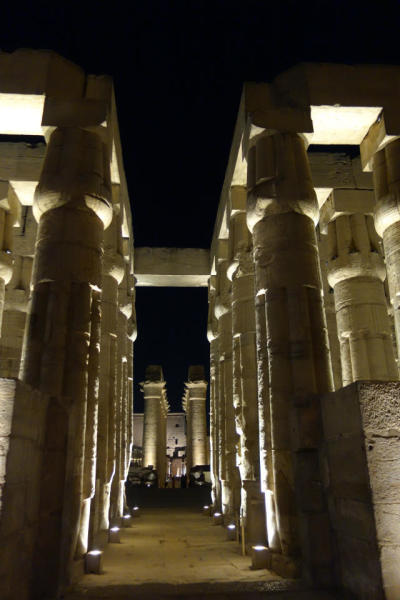 那些发生在古埃及金字塔中的奇异事件