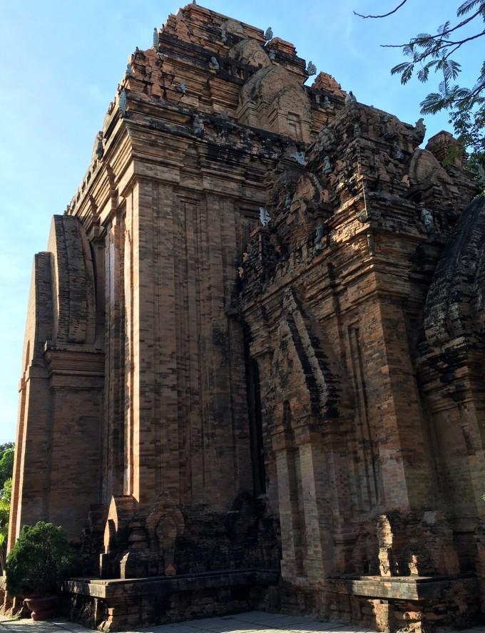 越南装修风格外墙雕刻