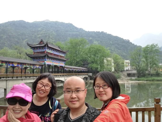 贵州张家界15日(毕节百里杜鹃,黄果树,荔波,梵净山,张家界)