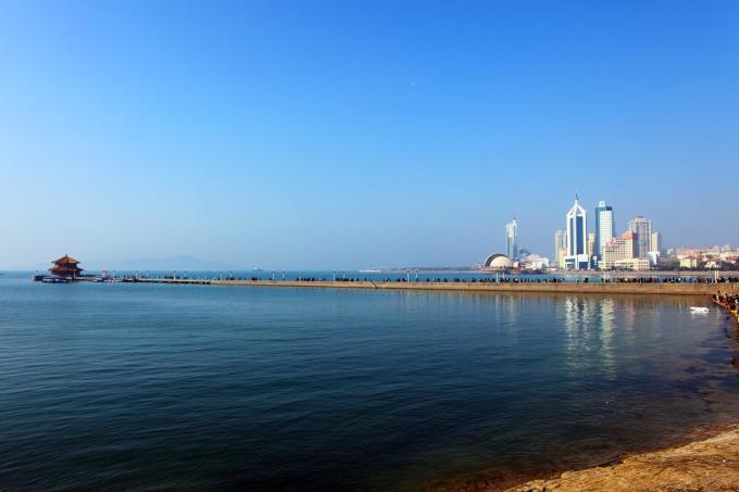d1:青岛火车站~栈桥~第一海水浴场~青岛邮电博物馆~~辟柴院  d2:天