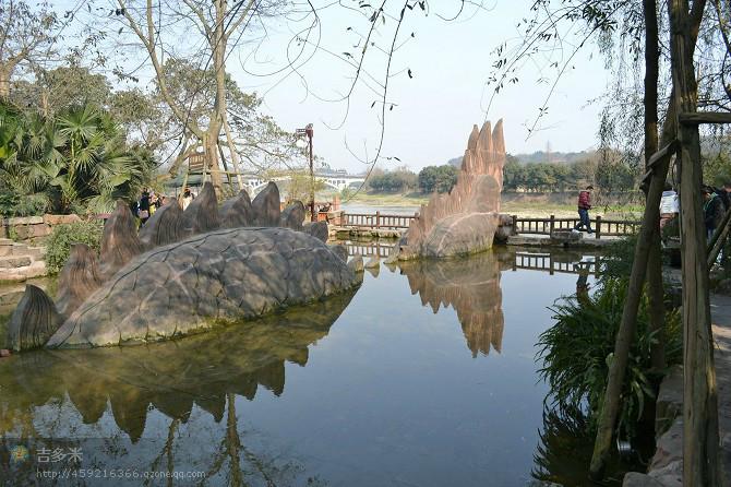 古龙寺  卖臭豆腐的大叔  龙尾  手工制作的蛇  龙  码头  廊桥 龙