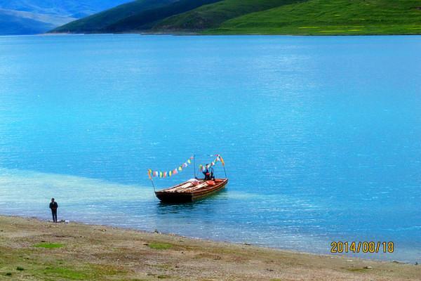 雪域 冈仁波齐 你们/湖边的小船。