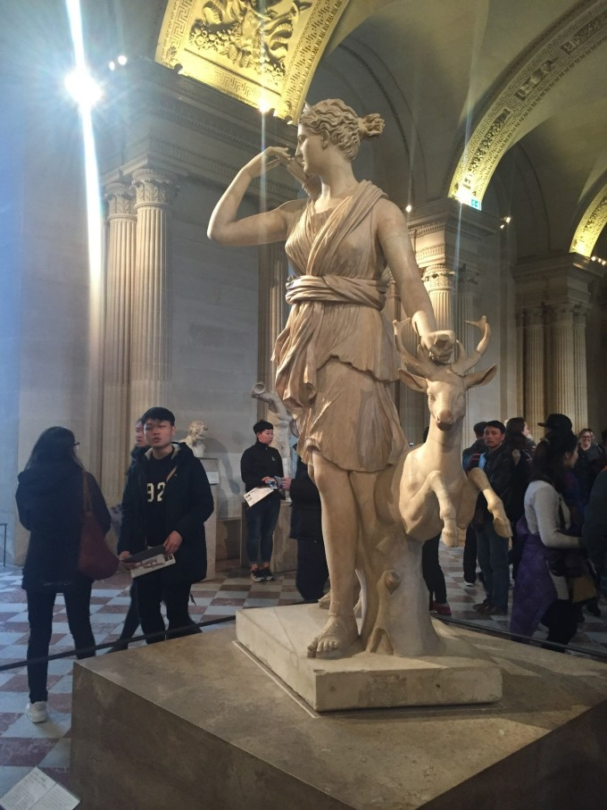 在这种枪支合法的国家大家还是时刻注意安全呀 世界三大博物馆:卢浮宫