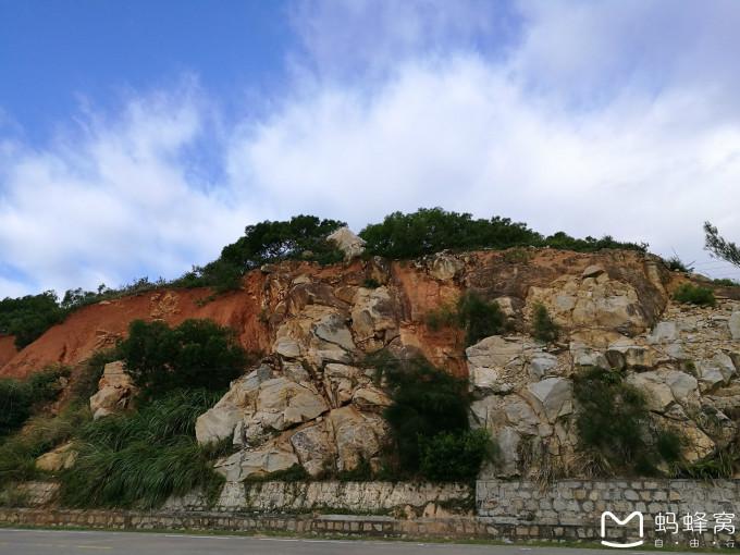 从宋井再次来到青澳湾海边游乐园,这里是允许下海的地方,由于